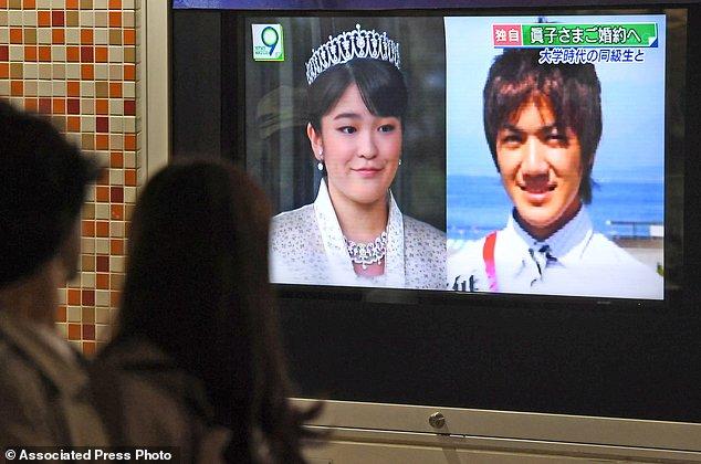Hình ảnh công chúa Nhật và chàng trai thường dân trên các phương tiện truyền thông