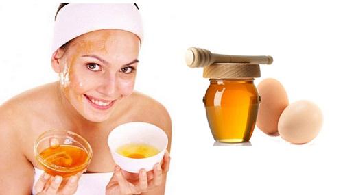 Mặt nạ mật ong + lòng trắng trứng gà giúp giảm mụn đầu đen đáng kể
