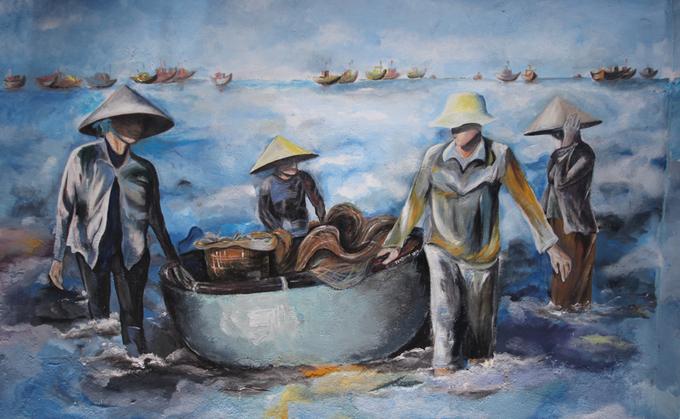 Những bức tranh lột tả cuộc sống làng chài của con người nơi đây