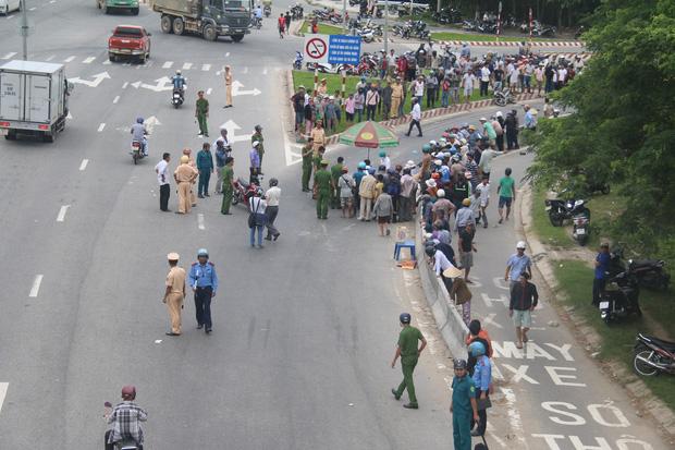 Vụ tai nạn khiến giao thông bị ách tắc