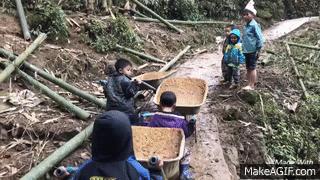 màn đua xe rùa xiêu yêu của những em bé vùng cao