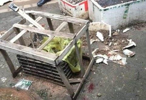 cãi nhau với chồng mẹ ném con qua cửa sổ từ tầng 3 xuống đất