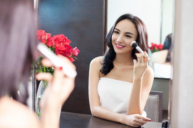 5 điều phụ nữ thông minh nên làm để luôn được chồng yêu chiều hết mức