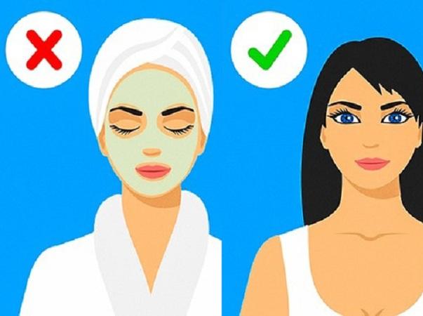 Rửa mặt nhiều lần hay tắm bằng nước nóng khiến da bị thiếu ẩm, làm quá trình lão hóa diễn ra nhanh hơn.