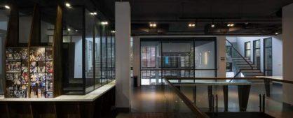 Nét kiết trúc xưa cũ được dựng lại trên nền kiến trúc hiện đại do các nghệ sĩ người Pháp thực hiện
