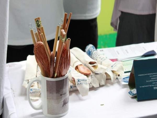 Hạn chế muỗng, nĩa, dĩa nhựa dùng một lần