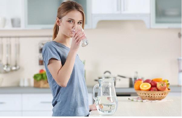 Uống nước mỗi ngày giúp bạn có làn da đẹp như mong muốn