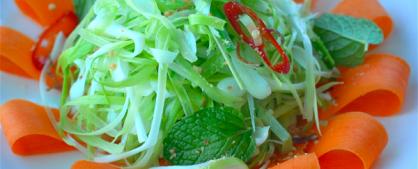 Gỏi tỏi Lý Sơn món ăn ngon đặc sản lạ miệng thu hút du khách