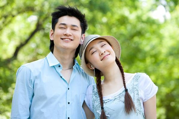 Những biểu hiện rõ của người chồng thương vợ