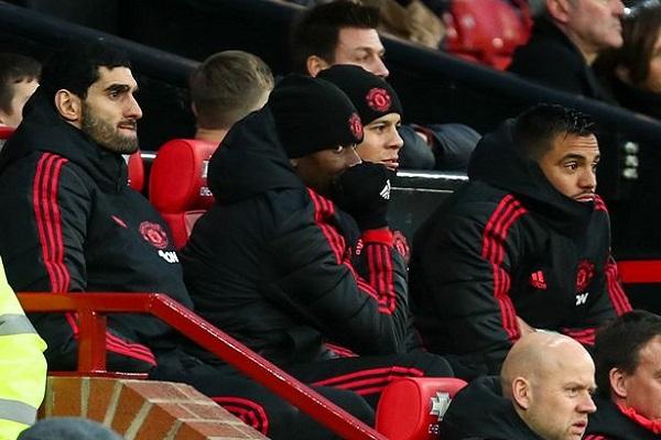 Pogba không vui khi Mourinho tung McTominay vào sân trận Fulham