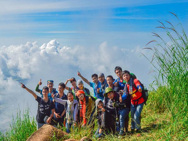 Kinh nghiệm săn mây, cắm trại núi Bà Đen