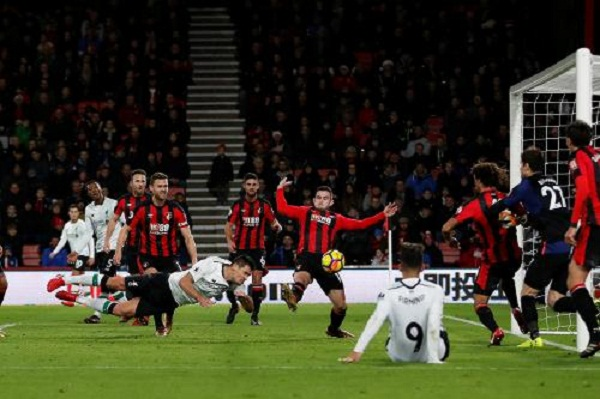 Thắng dễ Bournemouth Liverpool vượt qua khủng hoảng