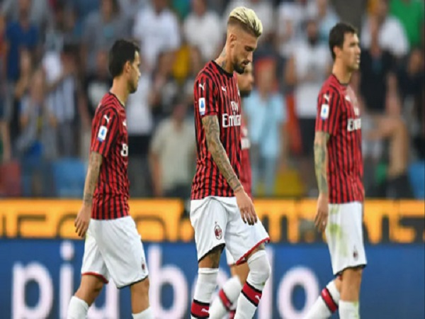 Milan thua đau ngày ra quân của vòng 1 Serie A