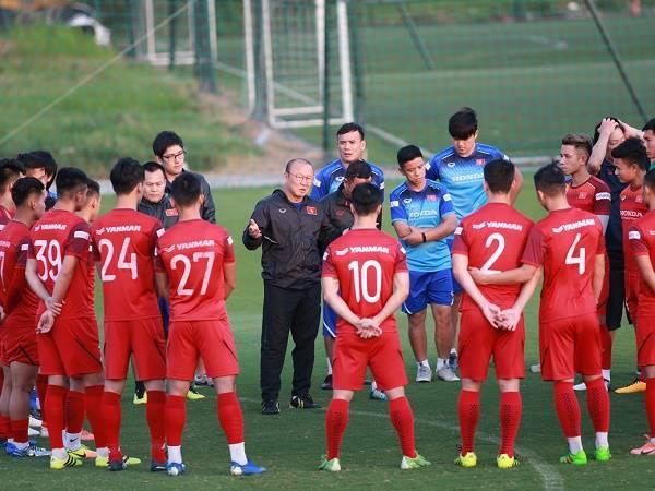 Việt Nam lọt top 6 đội bóng xuất sắc nhất lượt đi Vòng loại World Cup 2022