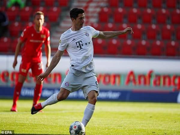 Bayern Munich và Lewandowski liên tiếp phá kỷ lục