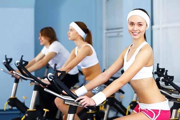 Đạp xe giúp cơ thể săn chắc